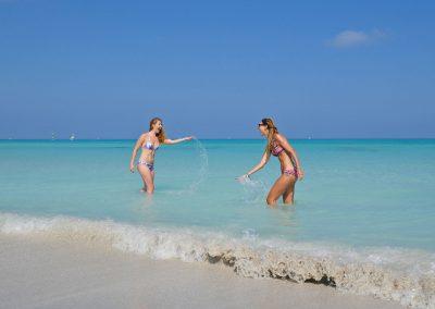 Varadero – Splashing with My Sister in the Ocean